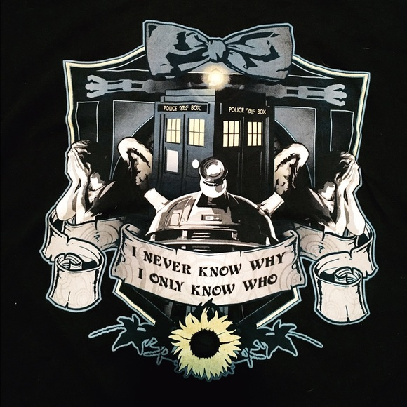 torrid Tops - EUC Doctor Who Graphic Tee