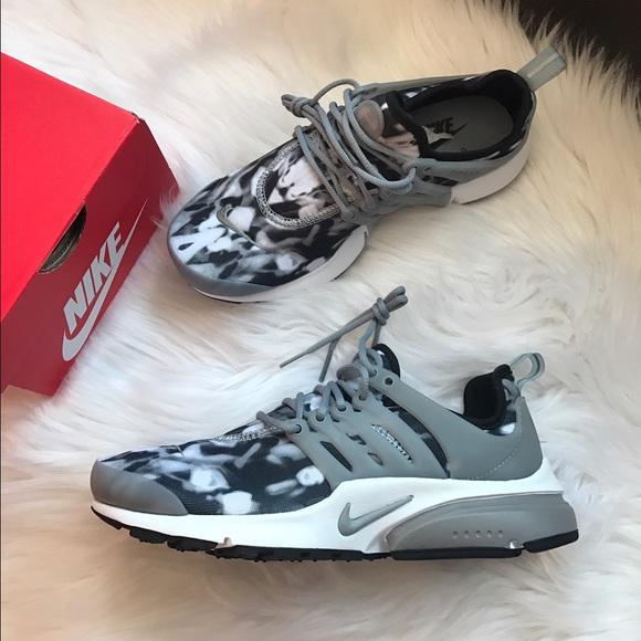 c7dbb76b78fc Nike Air Presto Print Sneakers