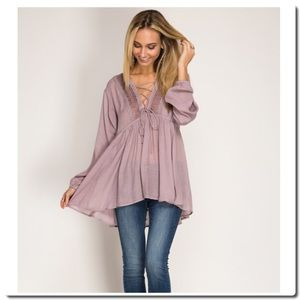 She and Sky Tops - FIRM 🎀SALE🎀TUNIC WITH LACE-UP FRONT
