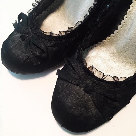 Wild Diva Shoes - Black Satin Heels