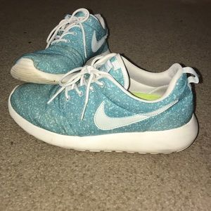 Women's Roshe Run