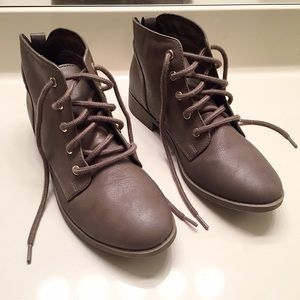 Candie's Shoes - NEW Candie's lace up ankle boots size 8