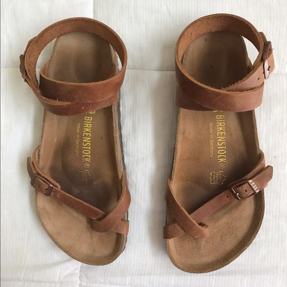 90df1270eea0 Birkenstock Shoes - EUC Birkenstock Yara Sandals