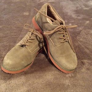 Jumping Jacks Other - Jumping-Jacks tan suede Bucks