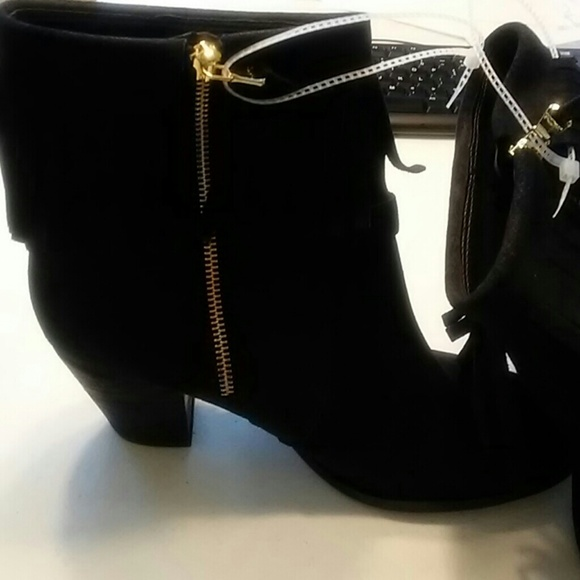 Lauren Ralph Lauren Shoes - Lauren Ralph Lauren suede fringe ankle bootie