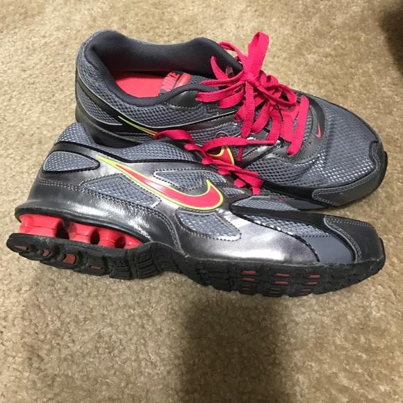 6f32eeef07cc Women s Nike Reax Run Dominate sneakers. M 588e6fee5c12f862ae01ec66