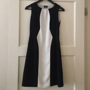 Oasis Dresses & Skirts - Elegant Black and white colorblock pencil dress