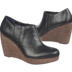 Dr. Scholl's Shoes - Dr Scholl's Harlie wedge bootie. Size 8
