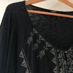 Lucky Brand Tops - Lucky Brand Black and Gold Boho Flowy Top
