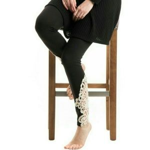 Pants - Crochet Patched Side Legging