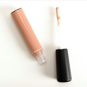 MAC Cosmetics Other - MAC mineralize glass in 'lap dog'