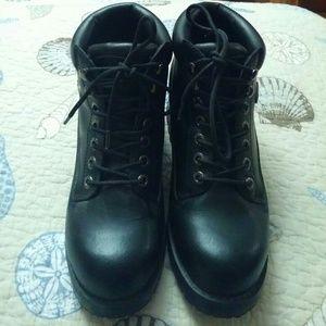 Lugz Shoes - REDUCED! Lugz Ladies Boots