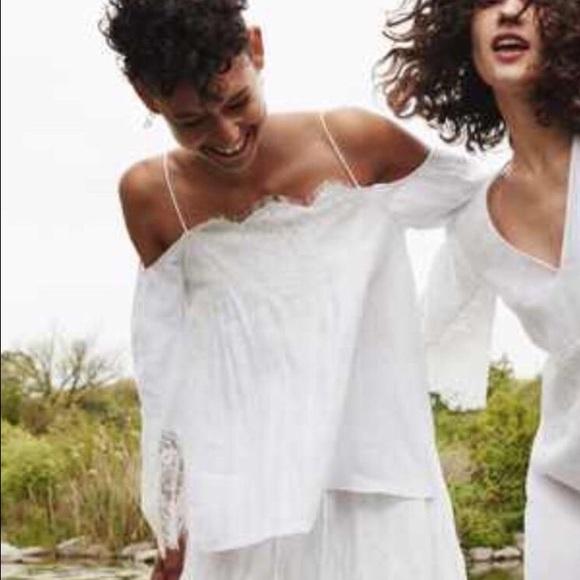 d19c6a68cd3275 Zara linen off shoulder top white lace