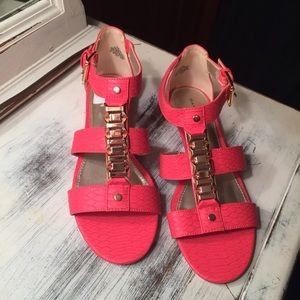 Bandolino Shoes - NWOT Hot Pink Snakeskin Sandals