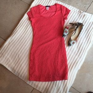 Lipstick Boutique Dresses & Skirts - NWOT Lipstick coral lace dress size small