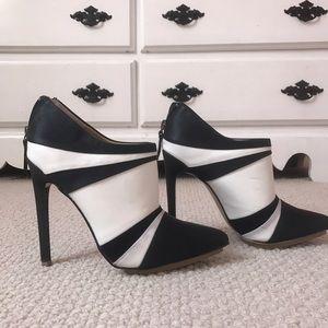 Size 7 women's booties