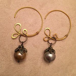 Pearl & gold tone earrings