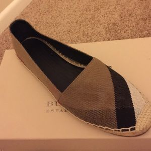 Burberry Shoes - Classic Burberry Hodgeson Canvas Slip-ons!