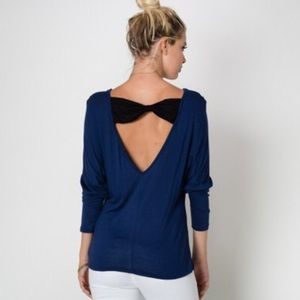 love in Tops - V back top with bow lace