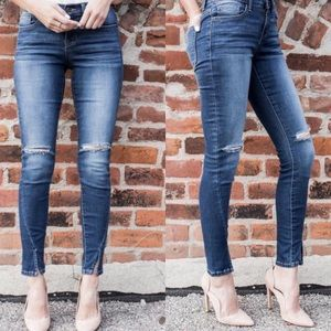 GlamVault Denim - RESTOCK❣️Distressed Angle Jeans with Slit Knees
