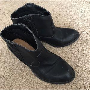 Michael Antonio size 7 black booties