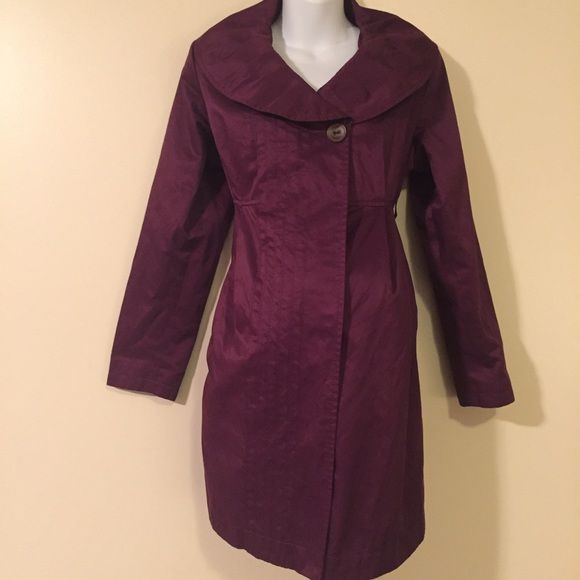 Liz Lange Jackets & Coats - Long maternity light trench coat medium