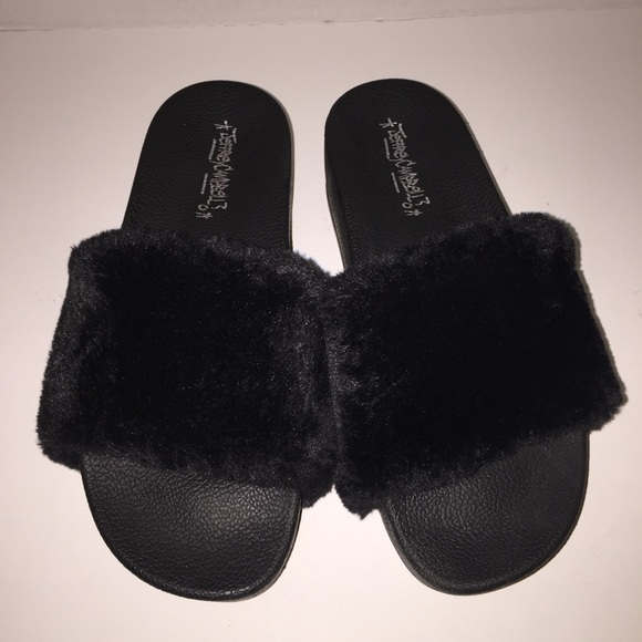 a5d6c30892a3 Jeffrey Campbell Shoes - Jeffrey Campbell Follow Me Faux Fur Slides sz 9