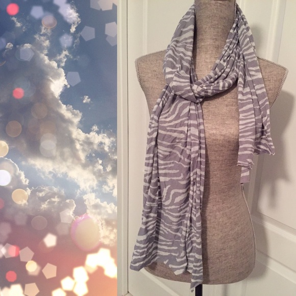 Fresh Produce Accessories - Fresh Produce Gray and White Scarf