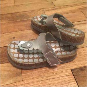 Morgan & Milo Other - Morgan and Milo silver thong sandals