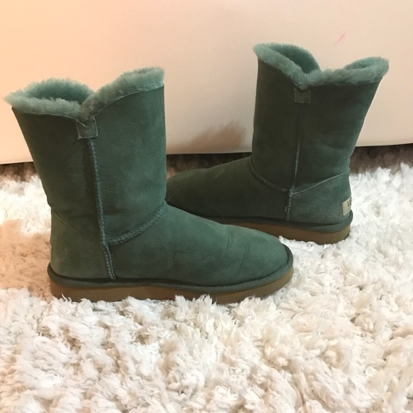 7e1f0c8c13b Dark green uggs