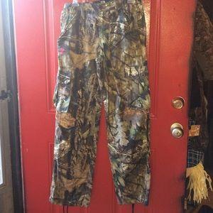 Mossy oak cargo pants