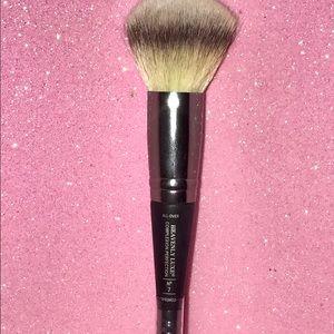 It Cosmetics Other - It Cosmetics Complexion Perfection Makeup Brush #7