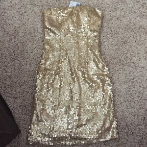 Guess Dresses & Skirts - Guess Gold Sequin Strapless Dress