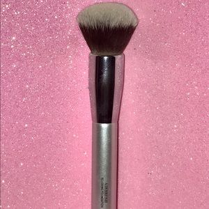 It Cosmetics Other - It Cosmetics Blurring Foundation Makeup Brush