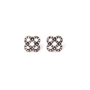 Jewelry - Nice and simple stud earrings