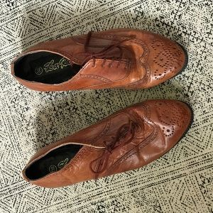 Vintage Shoes - Vintage leather saddle shoes sz 38