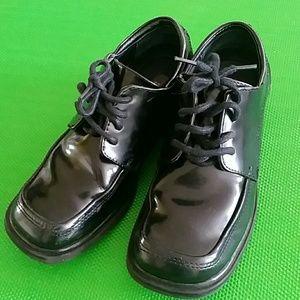 Kenneth Cole Reaction Boy dress shoes