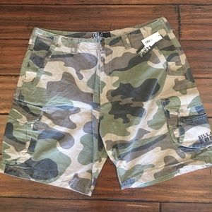 Billabong Other - Men's Billabong Khaki Camo Cargo Shorts Sz 40 New