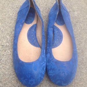 Women's B.O.C Blue Leather Flats 7.5M  New