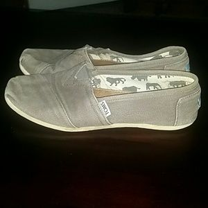 Toms Shoes! Slip on Gray Flats!