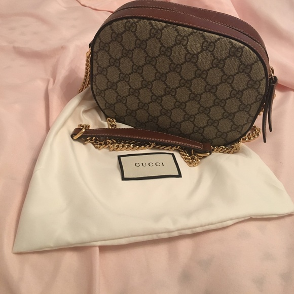 3804c350483 Gucci Handbags - Authentic GG supreme mini chain bag