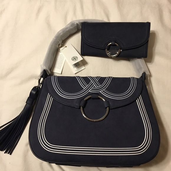 32766e352e5 Brand New Tory Burch large tassel bag!