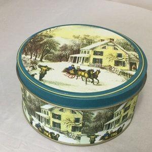 Holiday Gift / Trinket Tin  NWOT