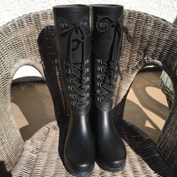 1891893a734 Women's Ugg lace-up rain boots.. worn once! Size 7