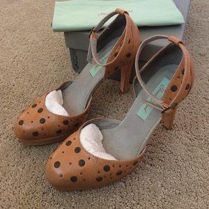 Geren Ford Shoes - Green Ford Tan platform heels
