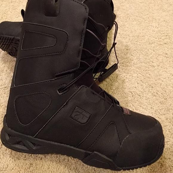 978365843fd9 10.5 mens Salomon snowboarding boots. M 588fce2dea3f36a32d0ce0b3