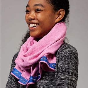 Ivivva Accessories - NWT Ivivva Village Chill Scarf neon/pink shell