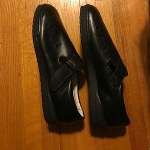 Propet Shoes - Sz 7 Black Propet shoes