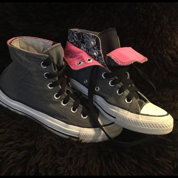 b80f61820858 Converse Shoes - Converse fold down pink   skulls women s 6 🖤💀⭐️