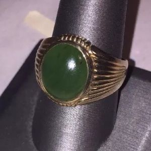 SIZE 10 antique burma jadite & 10k gold ring